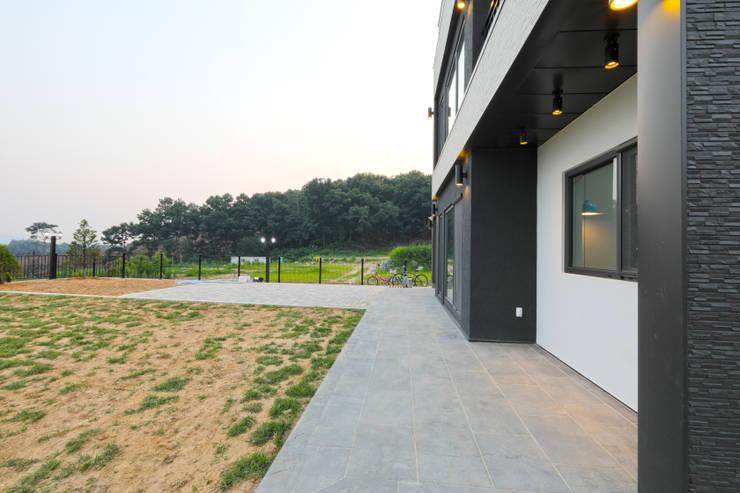 안성 내방리: 하우스톡의  주택