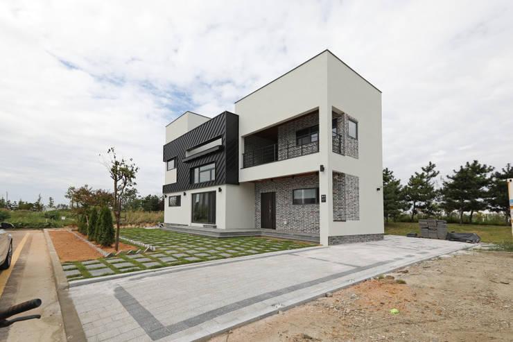 인천 청라지구 경서동: 하우스톡의  주택