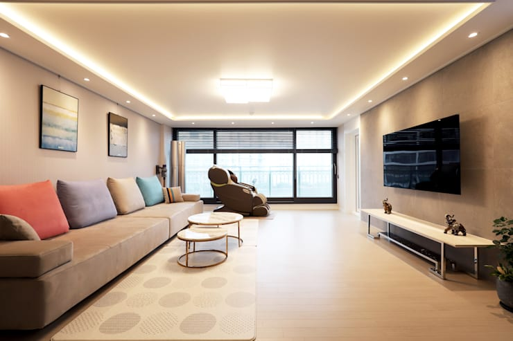 구로구 한솔아파트 38평: 디자인담다의  거실,
