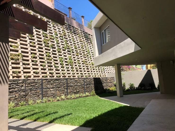 Casas unifamilares de estilo  de RFoncerrada arquitectos