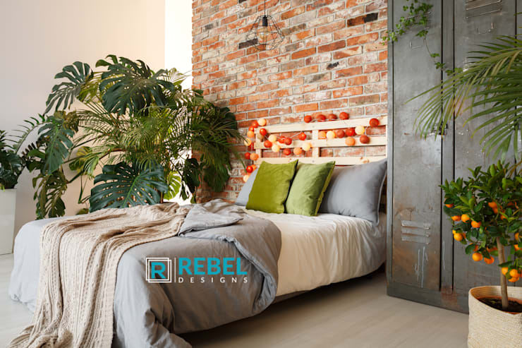 Living room in apartment 3 BHK :  Bedroom by Rebel Designs
