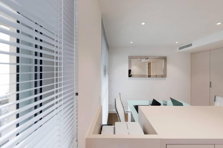 Oficinas de estilo  por réHome, Moderno
