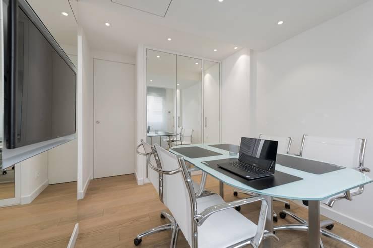 Oficinas de estilo  por réHome, Minimalista