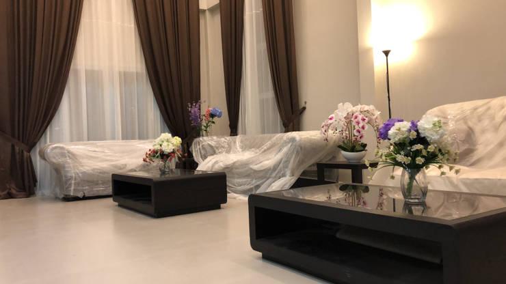 Ruang Tamu:  Ruang Keluarga by PT. Leeyaqat Karya Pratama