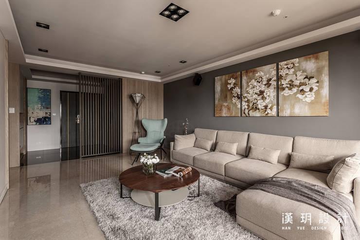 Salas de estilo  por 漢玥室內設計
