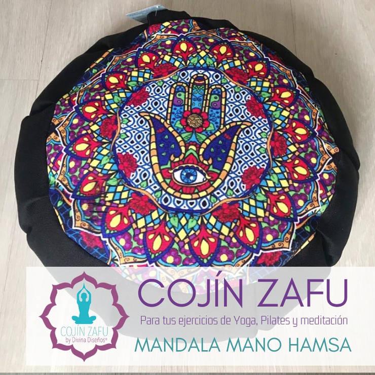 Cojín Zafu Mano Hamsa Meditación y Yoga : Spa de estilo clásico por Divina Diseños Decoración