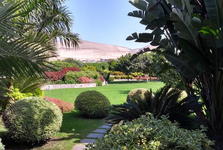 Paisajismo Campo-Playa, Lima Perú: Jardines de estilo  por DECOGARDEN: PAISAJISMO Y JARDINERÍA