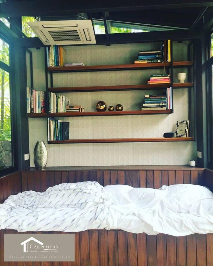 Sunroom in the Garden:  Garden by Singapore Carpentry Interior Design Pte Ltd