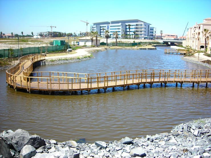 Century City Canal 6 :   by Town and Country Projects
