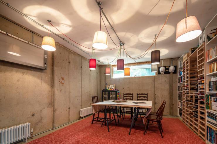 Murs de style  par Adrian James Architects