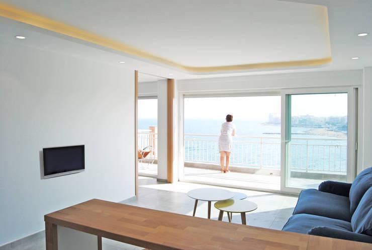 Vistas desde el salón: Salones de estilo  de Loft 26