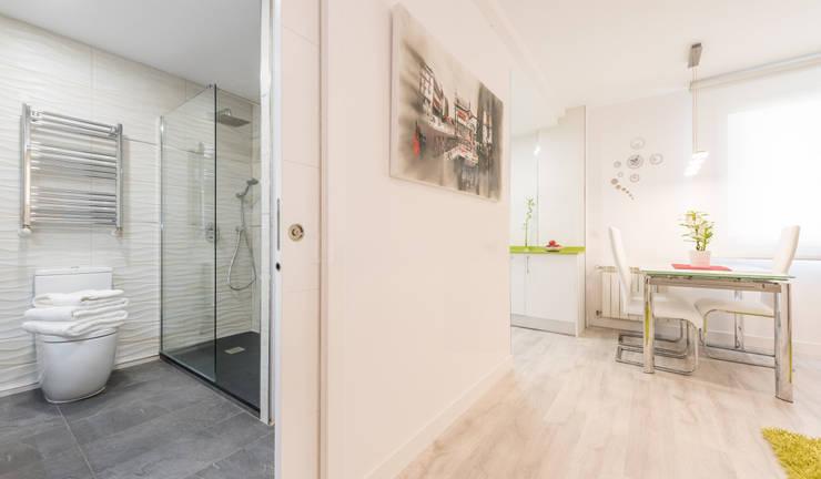 Corridor & hallway by Simetrika Rehabilitación Integral, Modern