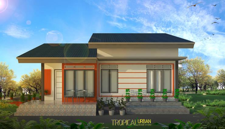 Rumah Bp. Ridho:   by Tropical Urban Design Studio