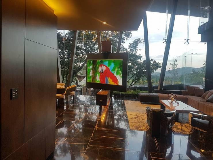 Living room by Ataxia Servicios, Modern