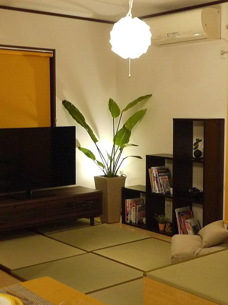 Salas / recibidores de estilo  por 株式会社アートアーク一級建築士事務所, Ecléctico Madera Acabado en madera