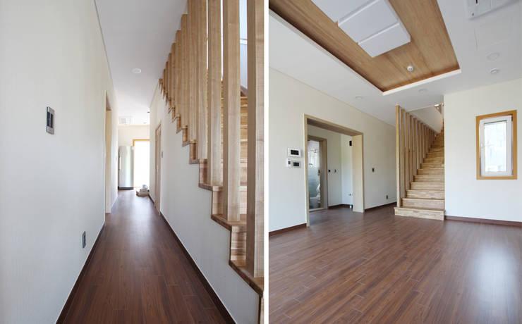 주택 내부: 더존하우징의  계단,모던