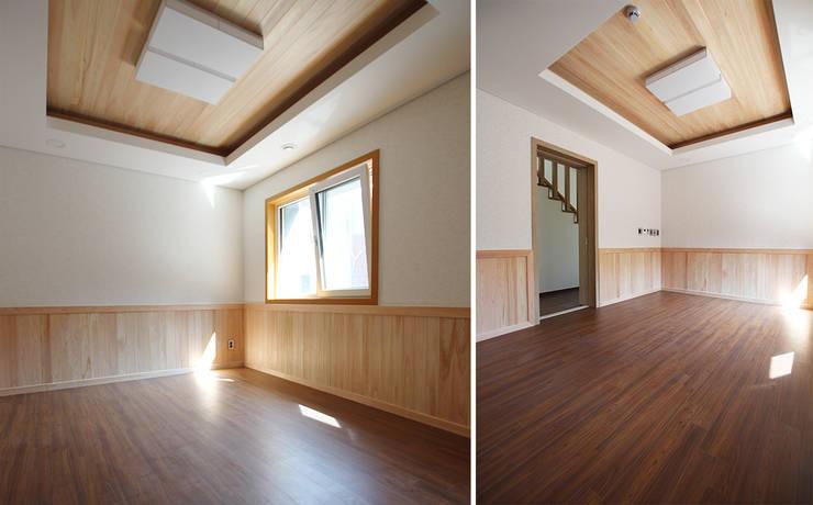 주택 내부: 더존하우징의  침실