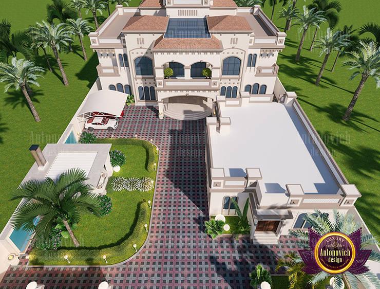 Dazzling House Design:  Patios by Luxury Antonovich Design