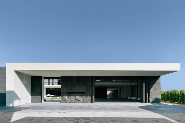 2015 TID 台灣室內設計大獎 /居住空間 /複層:  度假別墅 by HJF建築室內設計  Ho Jia-fu Interior Design Co., Ltd.