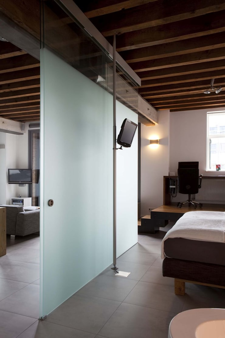 Scandinavian style corridor, hallway& stairs by Thijssen Verheijden Architecture & Management Scandinavian