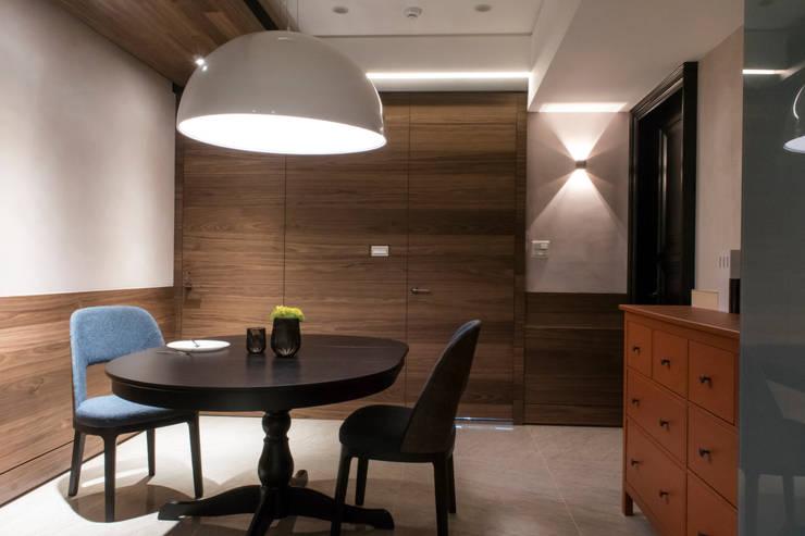 永和潘邸:  餐廳 by 16.A.DesignCrew