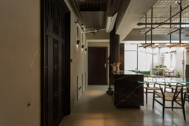 桃園 陳邸:  玄關、走廊與階梯 by 16.A.DesignCrew