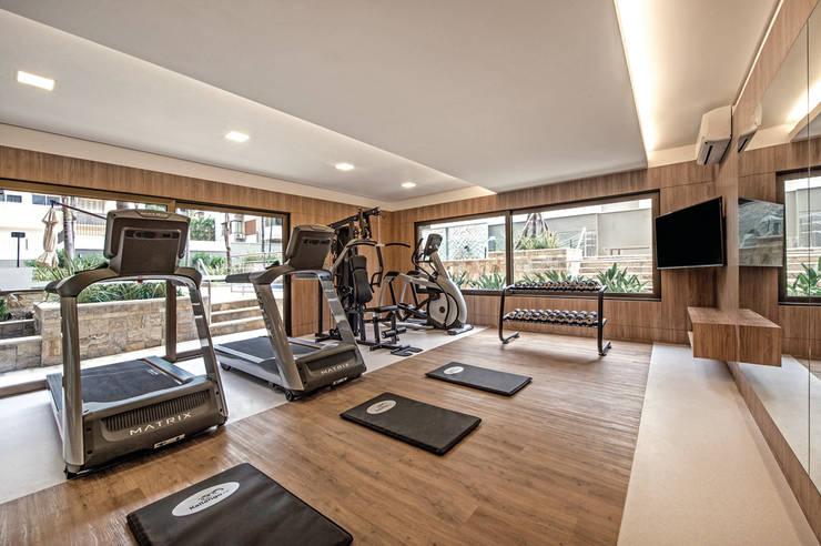 Academia de Ginástica: Fitness  por BG arquitetura | Projetos Comerciais