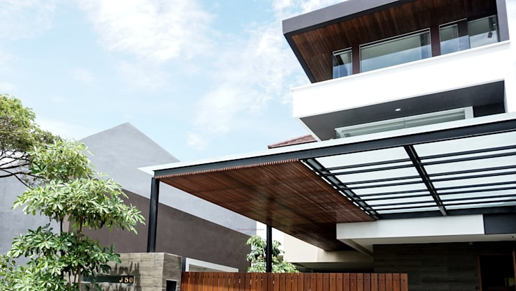 Shared Ambience:  Rumah tinggal  by AIGI Architect + Associates