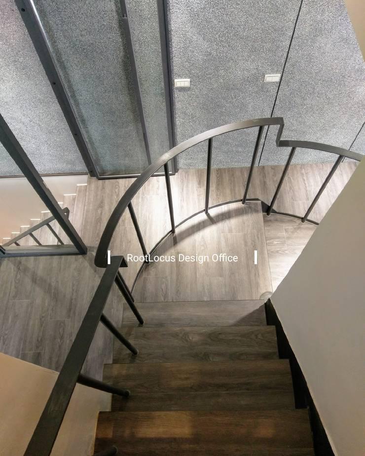 台中王公館:  樓梯 by 築本國際設計有限公司