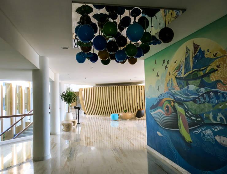 Adapted To Present:  Koridor dan lorong by AIGI Architect + Associates