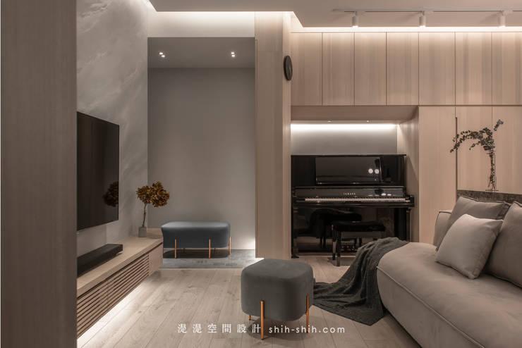 Entrance:  客廳 by 湜湜空間設計