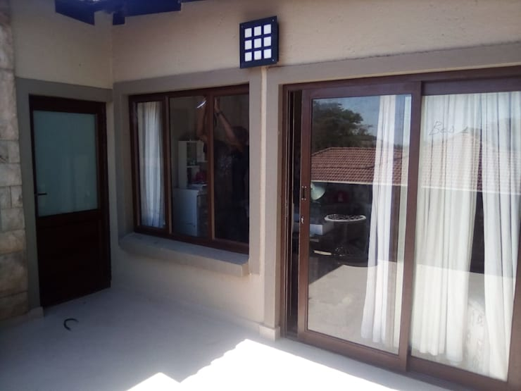 AFTER - WOOD TO ALUMIINIUM MAHOGANY WOOD-LOOK CONVERSION:   by ALUWOOD WINDOWS AND DOORS
