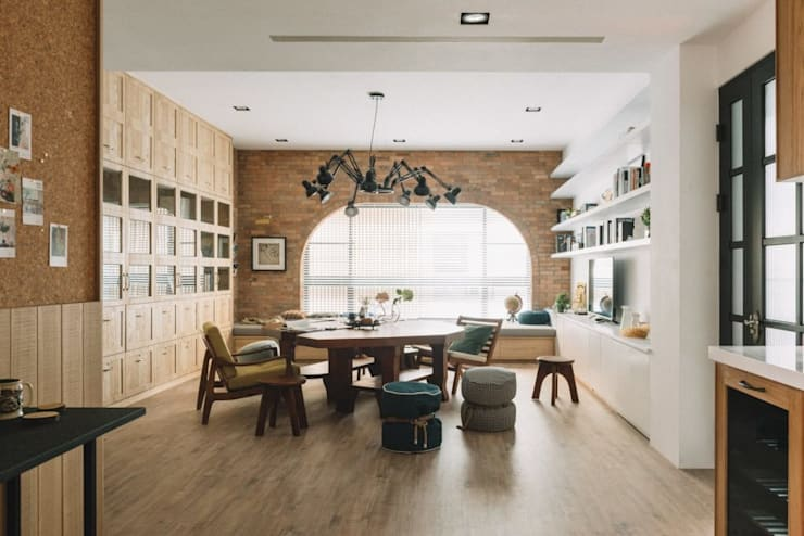 家,就是最真實的美好-百葉簾.蜂巢簾:  客廳 by MSBT 幔室布緹