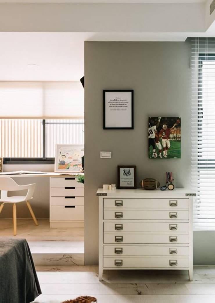 家,就是最真實的美好-百葉簾.蜂巢簾:  窗戶與門 by MSBT 幔室布緹