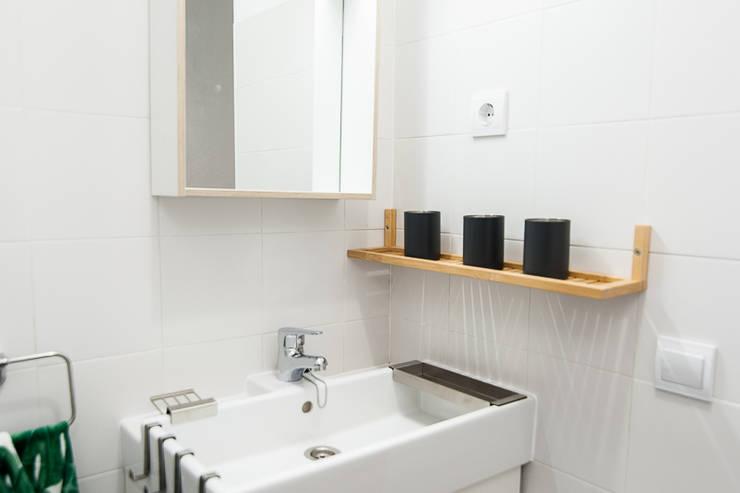 Cuarto de baño: Baños de estilo  de Ponytec