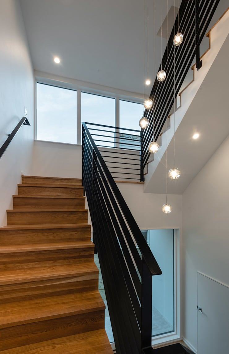 Kenyon St:  Stairs by KUBE Architecture