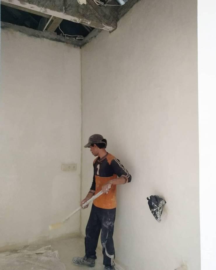Pekerjaan perapihan dinding dapur:  Dinding by ADEA