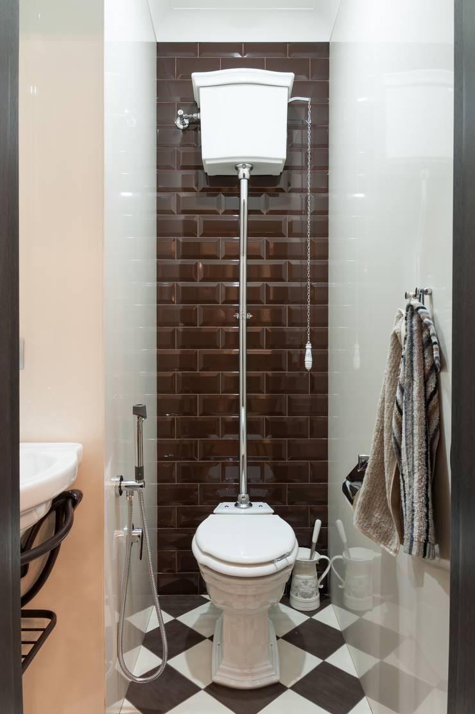Реализованный проект интерьеров квартиры 159 кв. метров на Суворовском проспекте: Ванные комнаты в . Автор – интерьеры от частного дизайнера