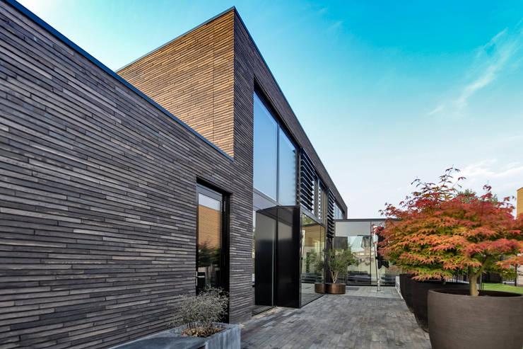 Woonhuis MNRS Eindhoven :  Huizen door 2architecten, Modern