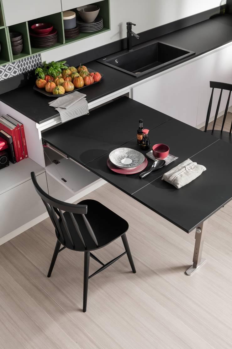 T-ABLE XL: Cucina in stile  di Atim Spa,