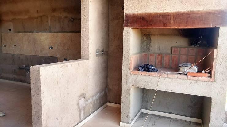V162 Moderna casa a Estrenar: Cocinas de estilo  por Cortinez Lourenço Consultora Inmobiliaria