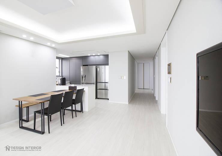 동탄인테리어 메타폴리스 40평대 주상복합 아파트인테리어 by.n디자인인테리어: N디자인 인테리어의  주방,