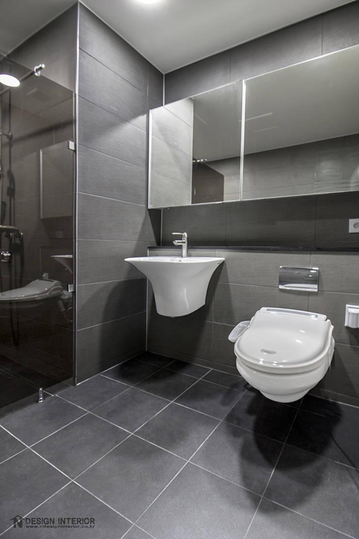 동탄인테리어 메타폴리스 40평대 주상복합 아파트인테리어 by.n디자인인테리어: N디자인 인테리어의  욕실,