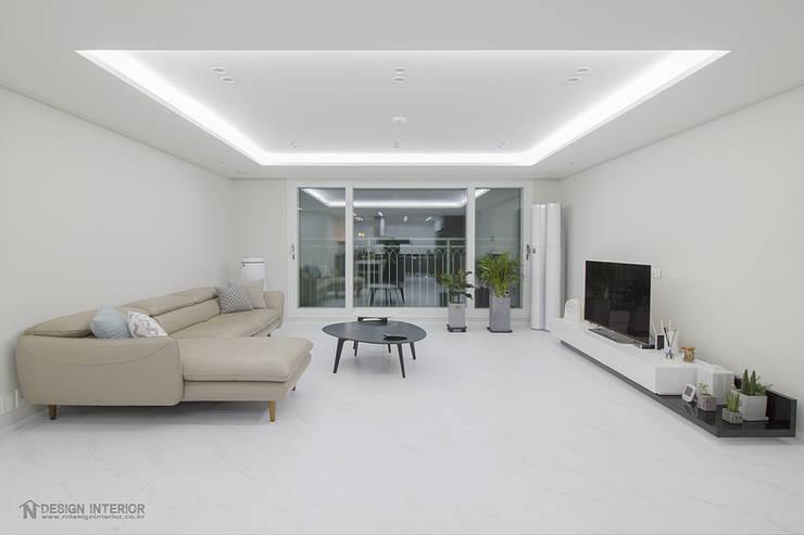 Living room by N디자인 인테리어, Modern