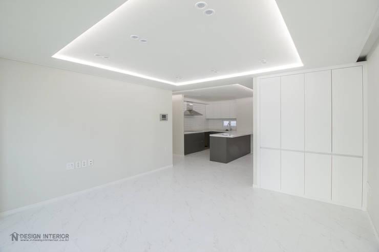 동탄인테리어 모던함이 묻어나는 삼부르네상스아파트 by.n디자인인테리어: N디자인 인테리어의  거실,모던
