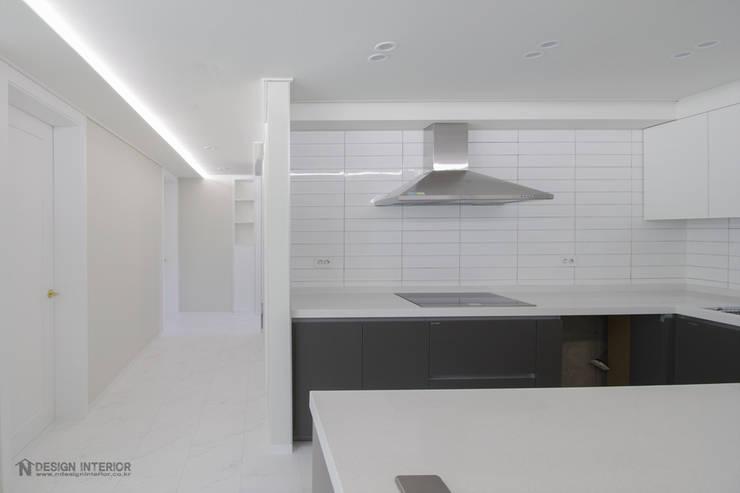 동탄인테리어 모던함이 묻어나는 삼부르네상스아파트 by.n디자인인테리어: N디자인 인테리어의  주방,모던