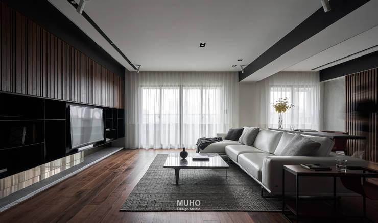 L宅_疊敘:  客廳 by 沐禾設計事務所