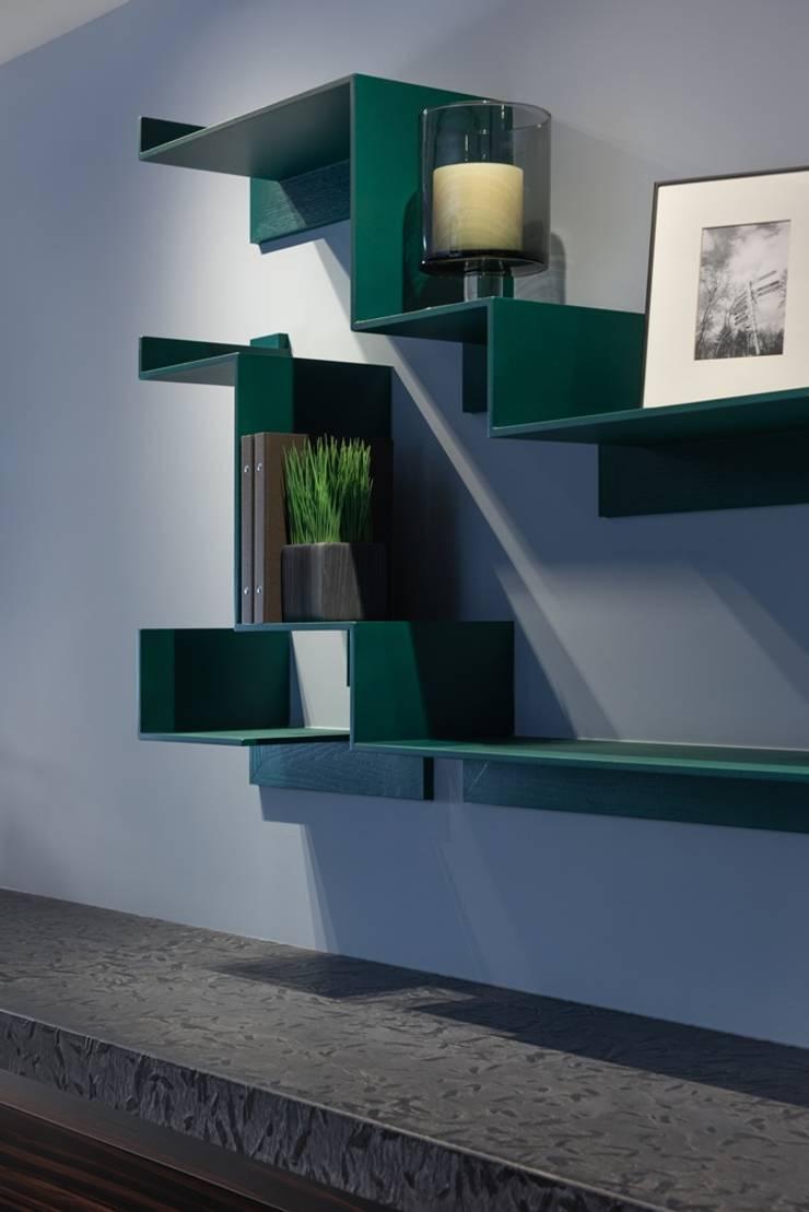 階梯式的書架:  牆面 by 宸域空間設計有限公司