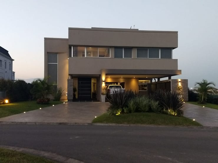 Vivienda en Urbanizacion Privada  – Yerba Buena Tucuman: Casas unifamiliares de estilo  por Alejandro Acevedo - Arquitectura