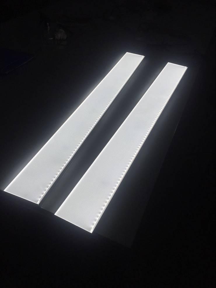 Long Light Panel:  Dining room by MAX Illumination